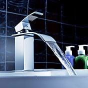 Sprinkle® - cachoeira torneira pia do banheiro com o pop up resíduos (acabamento cromado)